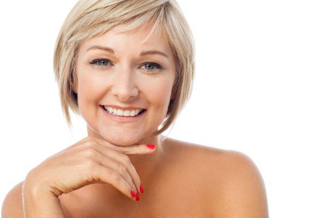 העלמת קמטים בהתייחסות לטיב העור וצניחתו