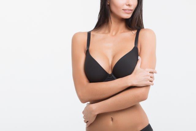 באיזה גיל עושים ניתוח הגדלת חזה